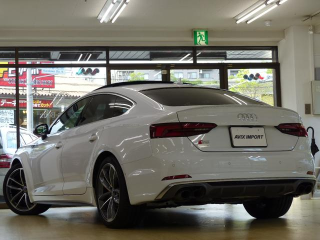 Audi 現行型S5スポーツバック プレセンス&アシスタンスPの入庫です!! セダンの快適性とクーペの持つエレガントさ、アバントの優れた実用性を兼ね備えたS5スポーツバック!!