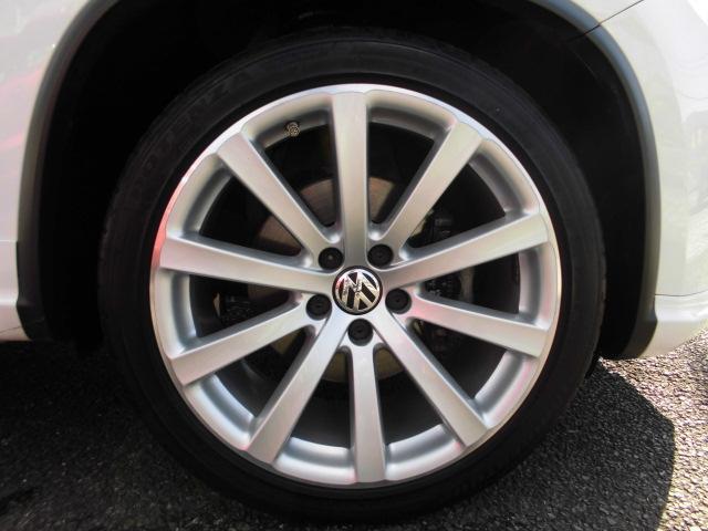 フォルクスワーゲン VW ティグアン Rライン 4モーション 1オナ 地デジナビ 4本出しマフラー
