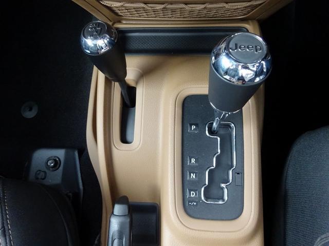クライスラー・ジープ クライスラージープ ラングラーアンリミテッド サハラ 登録済み未使用車 新車保証継承 JK型最終モデル