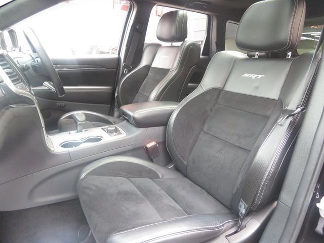 SRT8 後期モデル 4×4 SR ブラック内装 認定中古車(16枚目)