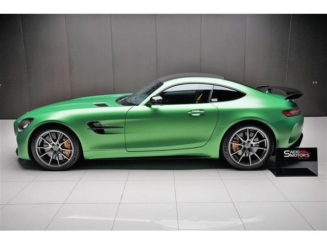 外装色はAMGグリーンヘルマグノです。