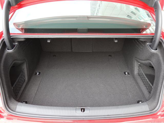 アウディ アウディ A4 2.0TFSI認定中古車17インチAW LEDパッケージ