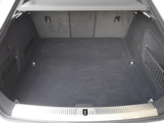 ベースグレード アシスタンス&マトリクスLEDヘッドライト&レザーパッケージ 認定中古車  アーティフィシャルイテリアレザー(ドアアームレスト/センターコンソール)  カラードブレーキキャリパー レッド(22枚目)