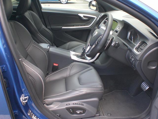 ボルボ ボルボ V60 D4 Rデザイン