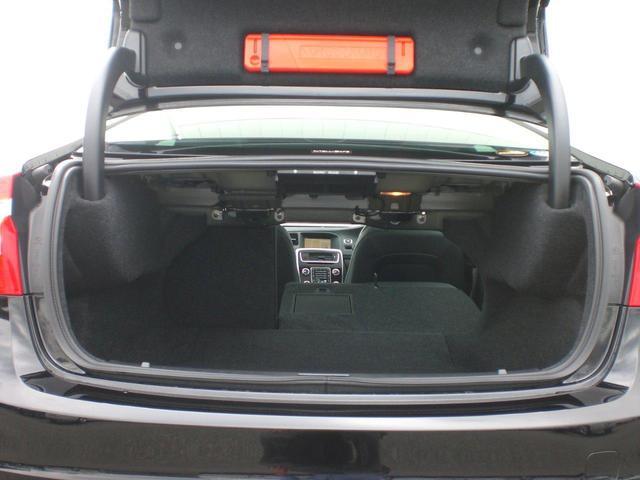 ボルボ ボルボ S60 T3 クラシック