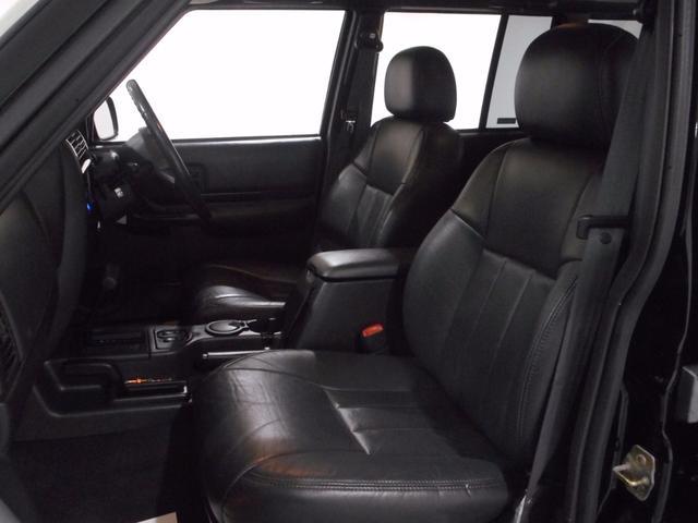 クライスラー・ジープ クライスラージープ チェロキー リミテッド Newカスタム リフトUP 黒革 認証整備付