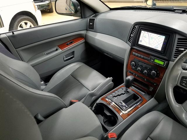 クライスラー・ジープ クライスラージープ グランドチェロキー リミテッド5.7HEMI HID本革内装SR ガッチリ整備付