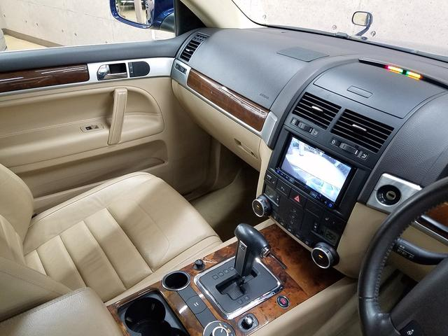 フォルクスワーゲン VW トゥアレグ V6 ベージュ本革 社外18AW メモリナビフルセグ 整備付