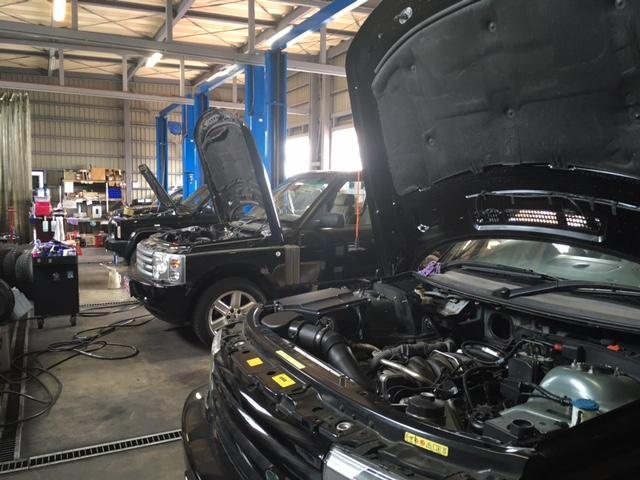 走行により消耗する消耗品の交換を含み、細部に渡り点検・整備後のご納車を致します。長く安心してお乗りいただける1台をご提供致します。