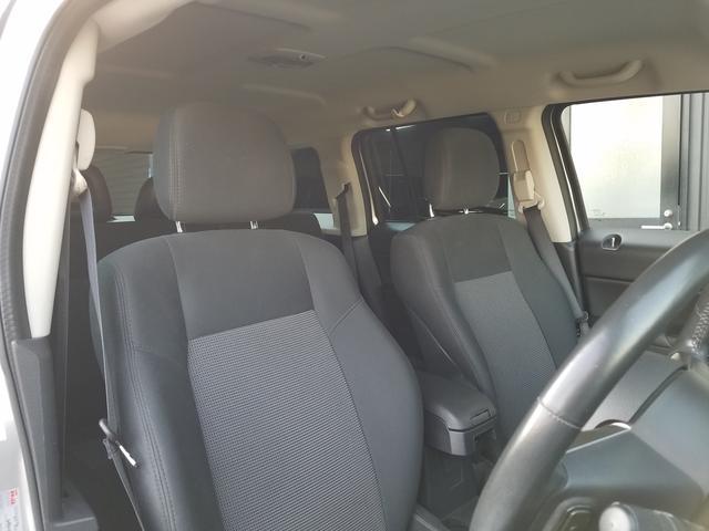 スポーツ 2WD前輪駆動 可変バルブタイミング機構搭載2000ccワールドエンジン 全シートリクライニング SDナビ一体機 地デジTV&Bluetooth機能 バックカメラ サイドカメラ&モニター 最終モデル(50枚目)