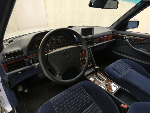 Sクラス クーペ 560SEC 正規D車 SR青ファブリック(7枚目)