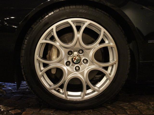 3.2 JTS Q4 4WD 6速AT車(20枚目)