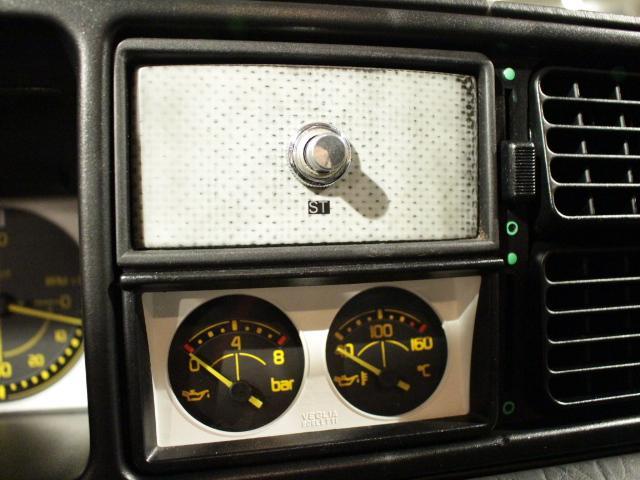 「ランチア」「ランチア デルタ」「コンパクトカー」「東京都」の中古車16