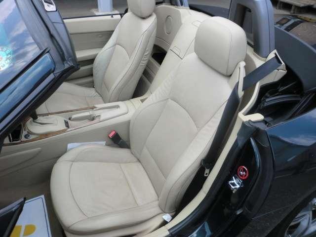 BMW BMW Z4 ロードスター2.5i HDDナビ 本革シート キーレス