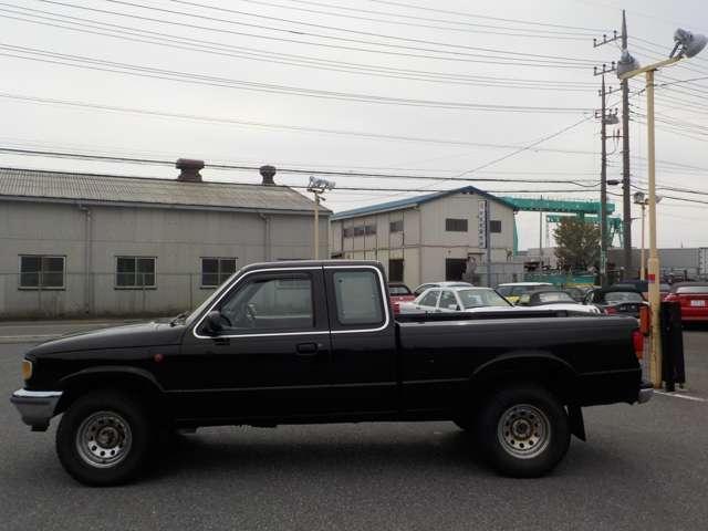 B4000 B4000 4WD ブラック(5枚目)