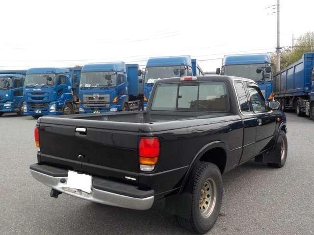 B4000 B4000 4WD ブラック(6枚目)