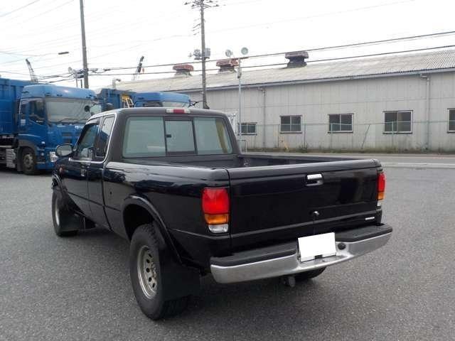 B4000 B4000 4WD ブラック(8枚目)