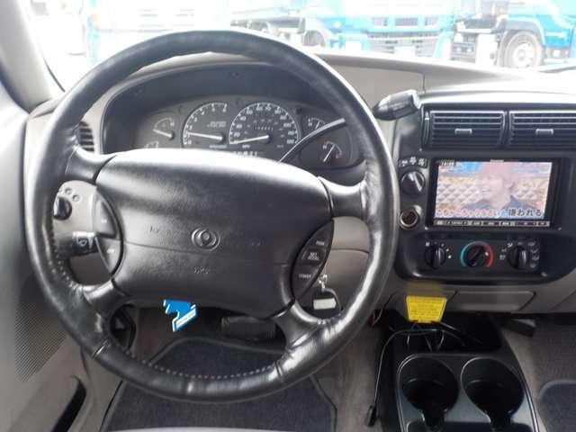 B4000 B4000 4WD ブラック(10枚目)