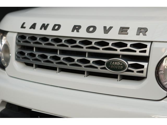 ランドローバーの魅力を余すことなく堪能できるプレミアム4WDのディスカバリー入庫しました!!