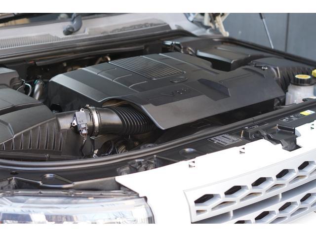 V8/5000ccエンジン搭載!ゆとりの走り、静かなエンジン音が快適なドライブにさせてくれますよ!