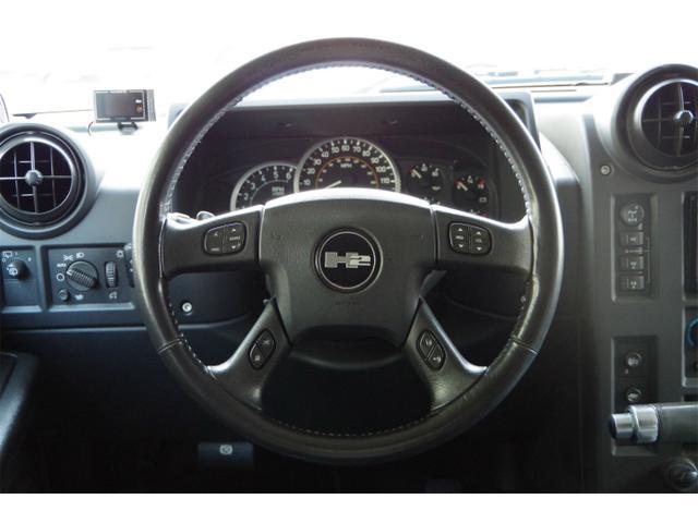 ラグジュアリーパッケージ 新車並行 メッキパーツ デイライト部フォグランプ化 ヘッドレストモニター×4 大型フリップダウンモニター LEDヘッドライト・フォグランプバルブ 4座シートヒーター ナビ SD Bluetooth(10枚目)