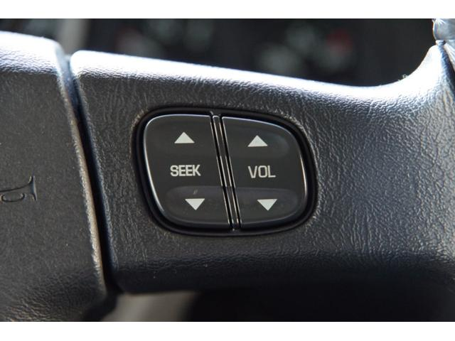 ラグジュアリーパッケージ 新車並行 メッキパーツ デイライト部フォグランプ化 ヘッドレストモニター×4 大型フリップダウンモニター LEDヘッドライト・フォグランプバルブ 4座シートヒーター ナビ SD Bluetooth(26枚目)