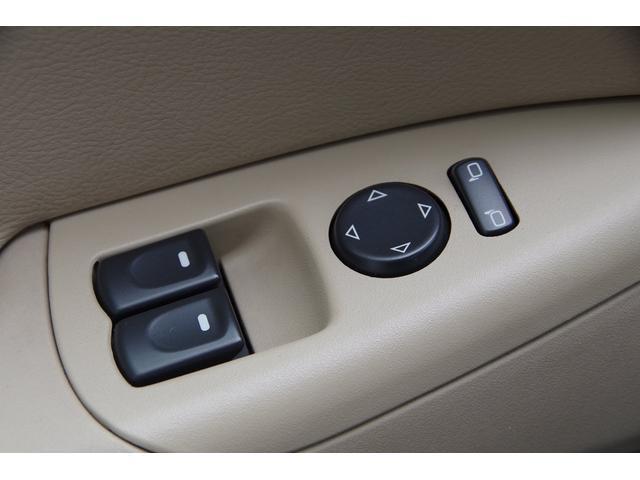 ベースグレード 社外マフラー ベージュレザー ナビ TV SD バックカメラ スマートキー パワーシート シートヒーター クルーズコントロール HIDヘッドライト ETC BOSEサウンドシステム タルガトップ(27枚目)