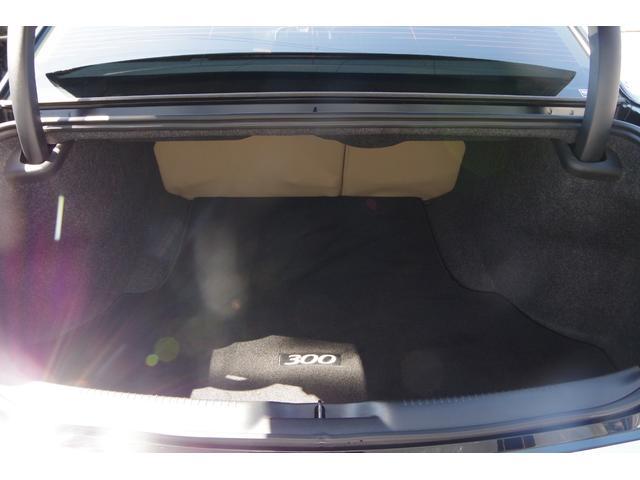 300ブラック&ホワイトパッケージ+ ベージュ革調シート パナソニック製ナビ 地デジ バックカメラ ソナー BOSS22インチAW ブラッククロームグリル クロームセンターピラー Bluetooth スマートキー バイキセノン(16枚目)