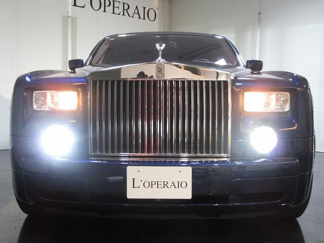 <この車のココがオススメ> オプション400万円以上のEWB(エクステンディッドホイールベース)正規ディーラー車が入庫しました!!エレガントな室内空間はもちろんエクステリアも上品で