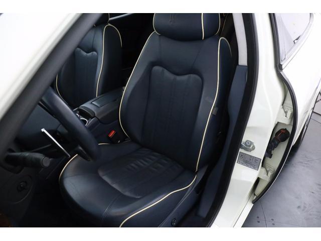 マセラティ マセラティ クアトロポルテ S ブルーレザー GTS用20インチAW 純正ナビ 地デジ