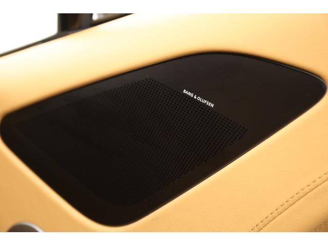 オーディオシステムは1,000WのBang & Olufsenが標準装備されておりますので良質な音響で音楽がお楽しみ頂けます。