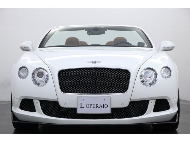 エクステリア、インテリア、乗り心地、快適装備どれをとっても最 上級車。