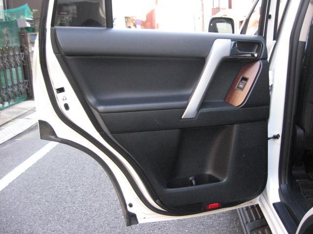 「トヨタ」「ランドクルーザープラド」「SUV・クロカン」「東京都」の中古車49