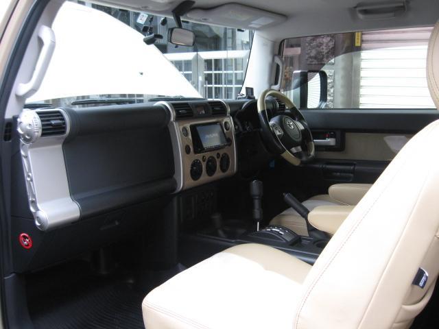 「トヨタ」「FJクルーザー」「SUV・クロカン」「東京都」の中古車55
