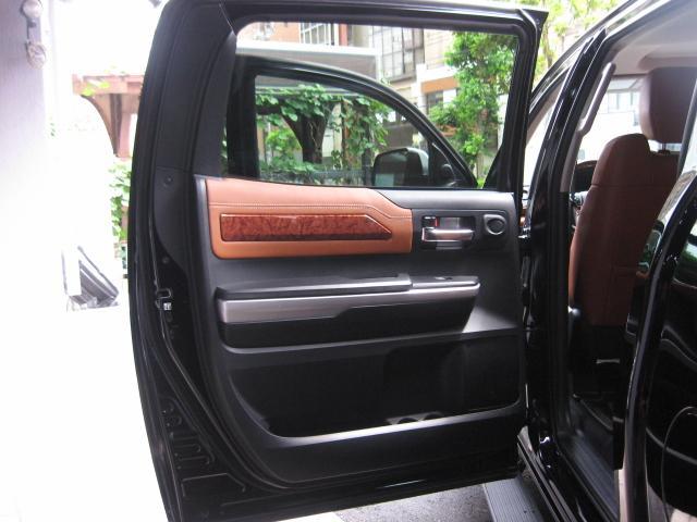 「その他」「タンドラ」「SUV・クロカン」「東京都」の中古車64