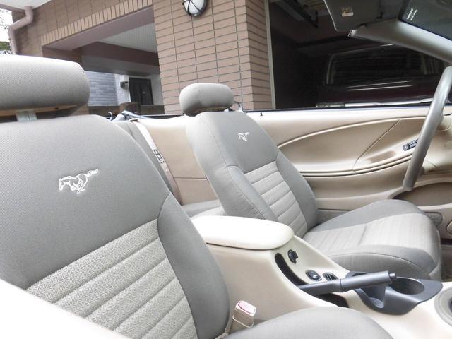 フォード フォード マスタング 3.8Gコンバーチブル最終モデル 1オーナー 黒幌 キーレス