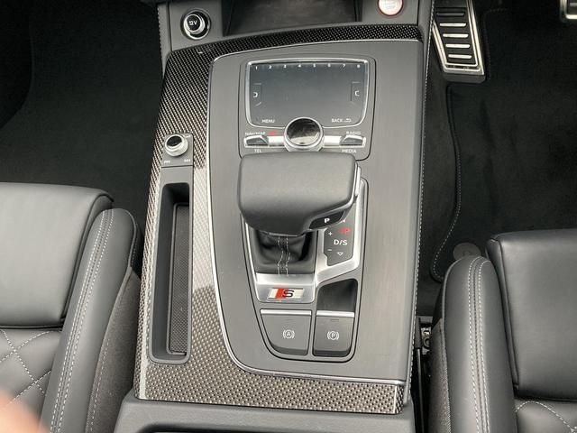 ベースグレード 認定中古車 レッドキャリパー レザーPKG プライバシーガラス ワンオーナー MMIナビ サラウンドカメラ 電動リアゲート シートヒーター 地デジ Bluetooth(17枚目)