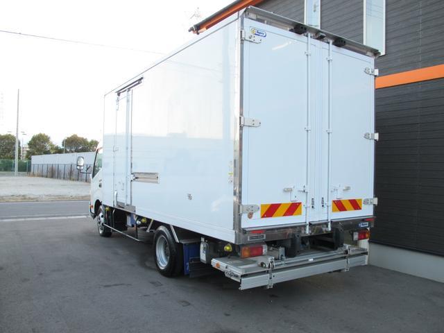 ロングWキャブ全低床 冷蔵冷凍車-5℃ 極東パワーゲート(9枚目)