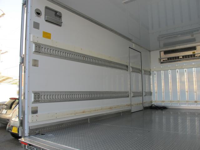 ロングWキャブ全低床 冷蔵冷凍車-5℃ 極東パワーゲート(17枚目)