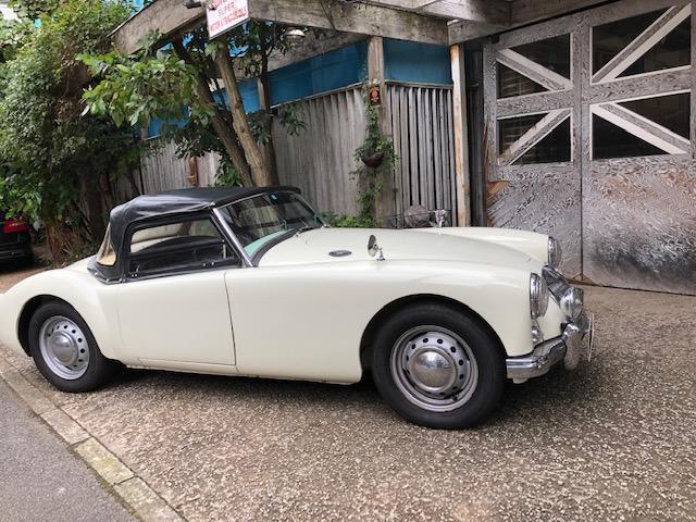 「MG」「MGA」「オープンカー」「東京都」の中古車16