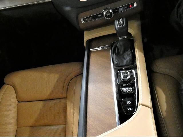 「ボルボ」「XC90」「SUV・クロカン」「埼玉県」の中古車11