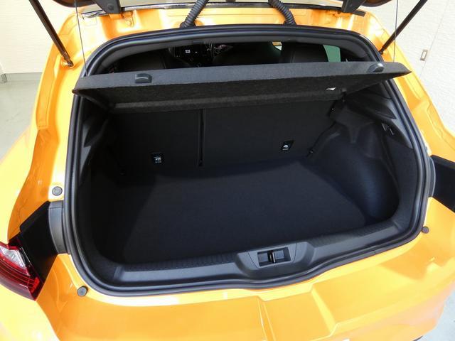 ルノー スポール 正規ディーラー車 国産新品タイヤ4本装着 メーカー保証継承 LEDヘッドライト AppleCarPlay AndroidAuto バックカメラ 障害物センサー 純正19インチAW スマートキー ETC(6枚目)