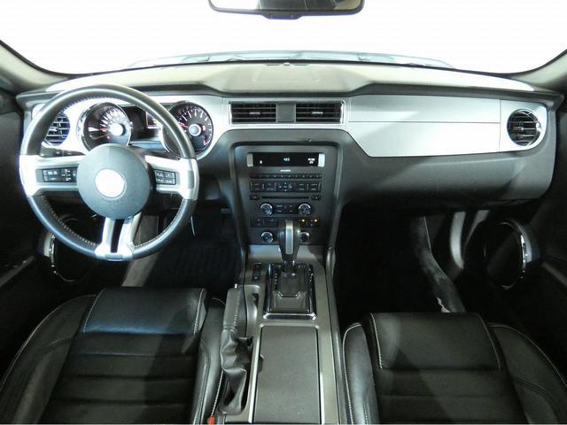V8 GT プレミアム 正規ディーラー車 最終モデル ワンオーナー ブラックレザー パワーシート シートヒーター キセノンヘッドライト 純正20インチAW クルーズコントロール キーレスエントリー バックカメラ ETC(5枚目)