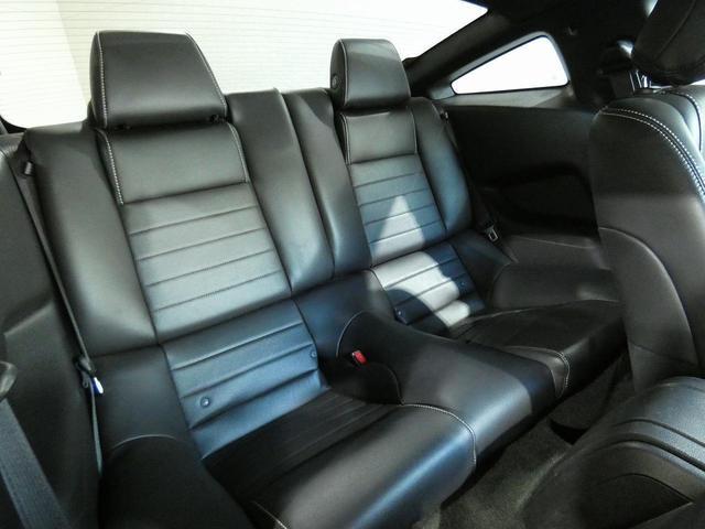 V8 GT プレミアム 正規ディーラー車 最終モデル ワンオーナー ブラックレザー パワーシート シートヒーター キセノンヘッドライト 純正20インチAW クルーズコントロール キーレスエントリー バックカメラ ETC(6枚目)
