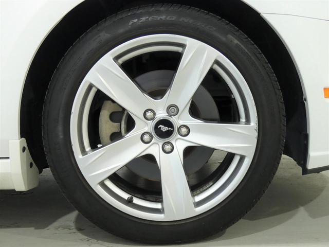V8 GT プレミアム 正規ディーラー車 最終モデル ワンオーナー ブラックレザー パワーシート シートヒーター キセノンヘッドライト 純正20インチAW クルーズコントロール キーレスエントリー バックカメラ ETC(11枚目)
