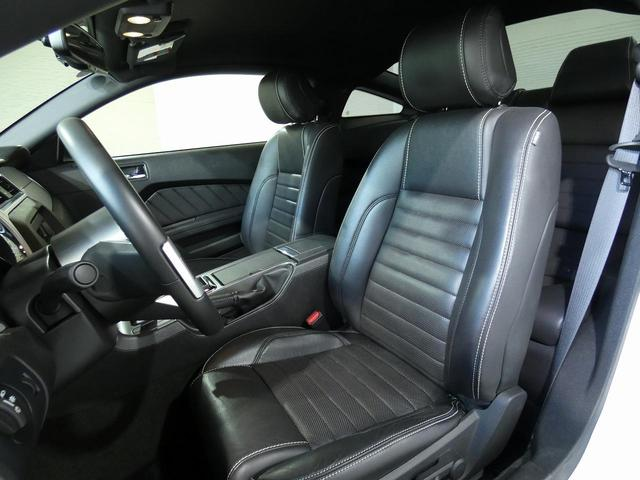 V8 GT プレミアム 正規ディーラー車 最終モデル ワンオーナー ブラックレザー パワーシート シートヒーター キセノンヘッドライト 純正20インチAW クルーズコントロール キーレスエントリー バックカメラ ETC(17枚目)
