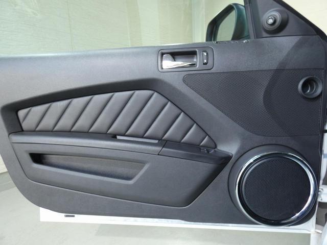 V8 GT プレミアム 正規ディーラー車 最終モデル ワンオーナー ブラックレザー パワーシート シートヒーター キセノンヘッドライト 純正20インチAW クルーズコントロール キーレスエントリー バックカメラ ETC(21枚目)