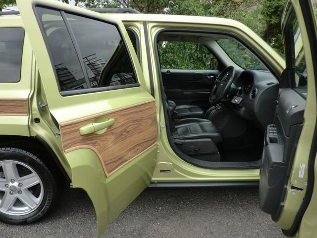 リミテッド リミテッド 外装ウッドパネル 9インチモニター フルセグTV ナビゲーション ETC レザーシート シートヒーター リモコンキー オートクルーズ パワーシート(28枚目)
