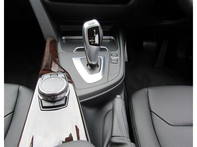 BMW BMW 318i ラグジュアリー黒レザーシート17インチAW