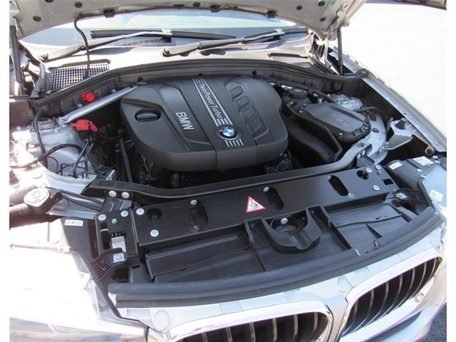2.0L 直列4気筒DOHCツインパワーターボディーゼルエンジンを搭載。
